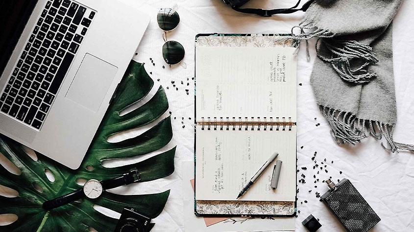 فشن بلاگر کیست و راهنمای کسب درآمد وبلاگ نویس مد - مد, لباس, فشن, فروشگاه آنلاین لباس, طراحی مد, صنعت مد, سبک لباس, برند