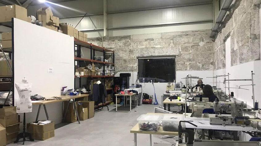 تولید کنندگان تخصصی پوشاک برای کسب و کارهای کوچک - کسب و کار نساجی, صنعت لباس, صنعت پوشاک, تولید لباس, تولید پوشاک